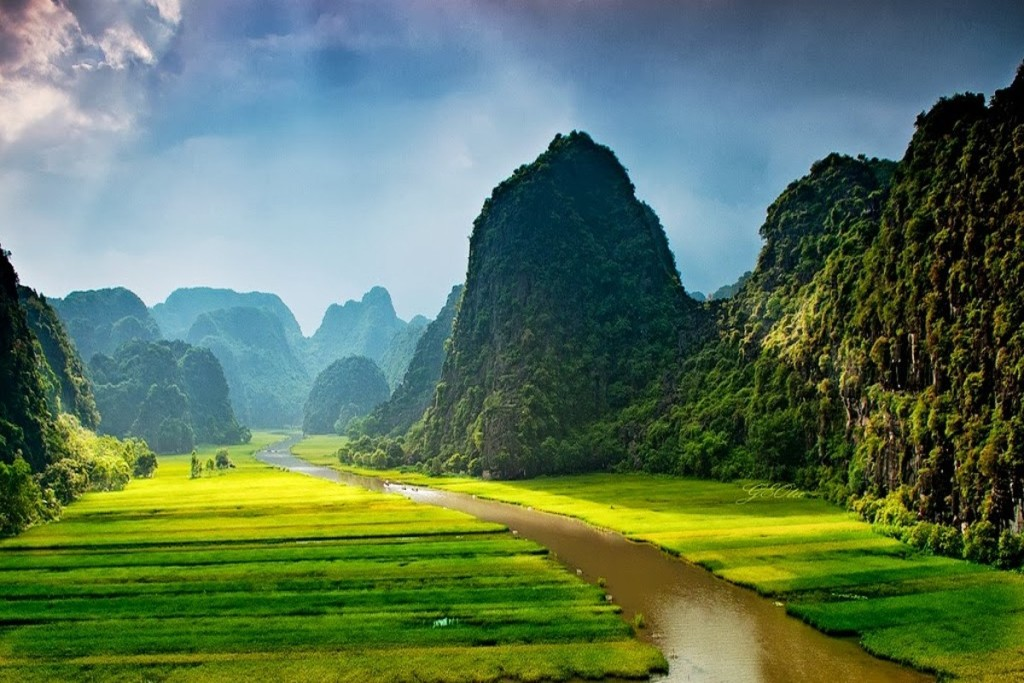 Ninh Binh Landscape in Kong: Skull Island